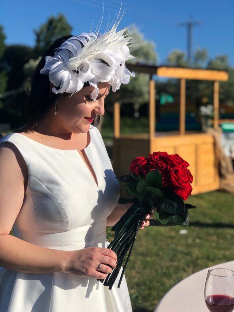 novia con tocado