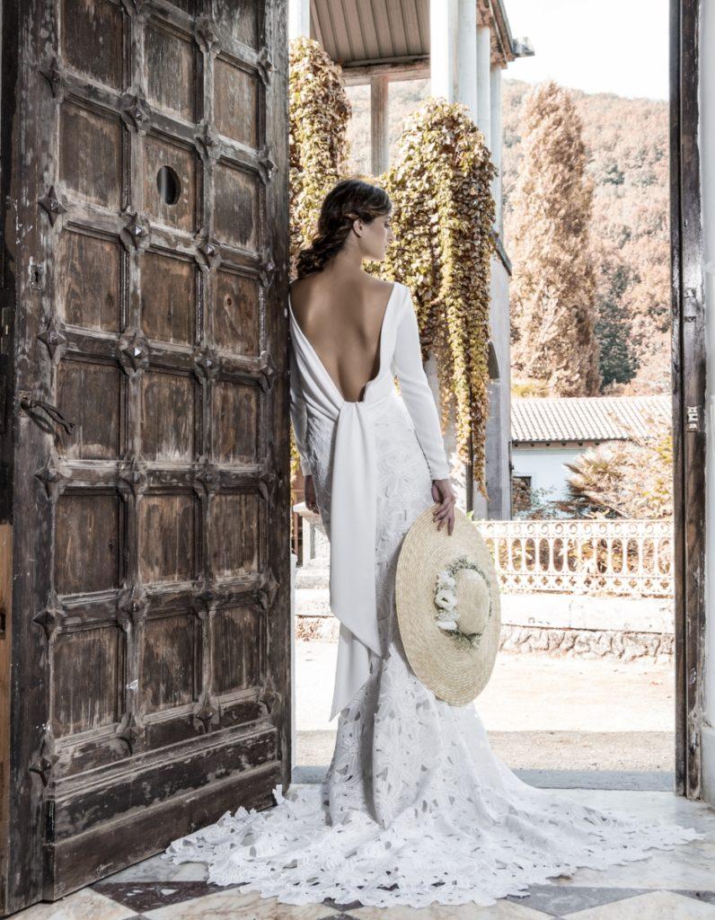 Pamela para novia de paja natural con flores